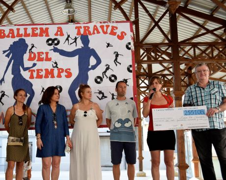 Entrega cheque Save the children